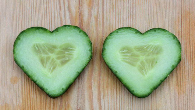 Salatgurken in Herzform