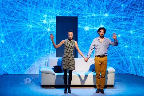 Maddalena Hirschal und Stefano Bernadin in Oliver 2.0