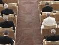 Papst Franziskus und Kurienmitarbeiter bei traditionellen Fastenexerzitien in Ariccia, südöstlich von Rom