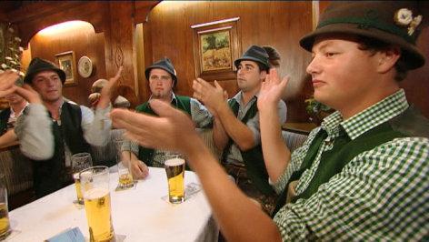 Jodeln, Paschen, Geigen - So klingt das Salzkammergut    Originaltitel: Erlebnis Österreich - Jodeln, Paschen, Geigen - So klingt das Salzkammergut