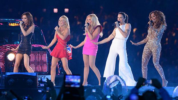 Die Spice Girls im Jahr 2012 auf der Bühne