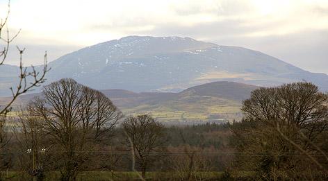 Die Umgebung von Llanfairpwllgwyngyllgogerychwyrndrobwllllantysiliogogogoch in Wales