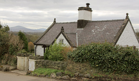 Ein Haus in Llanfairpwllgwyngyllgogerychwyrndrobwllllantysiliogogogoch in Wales