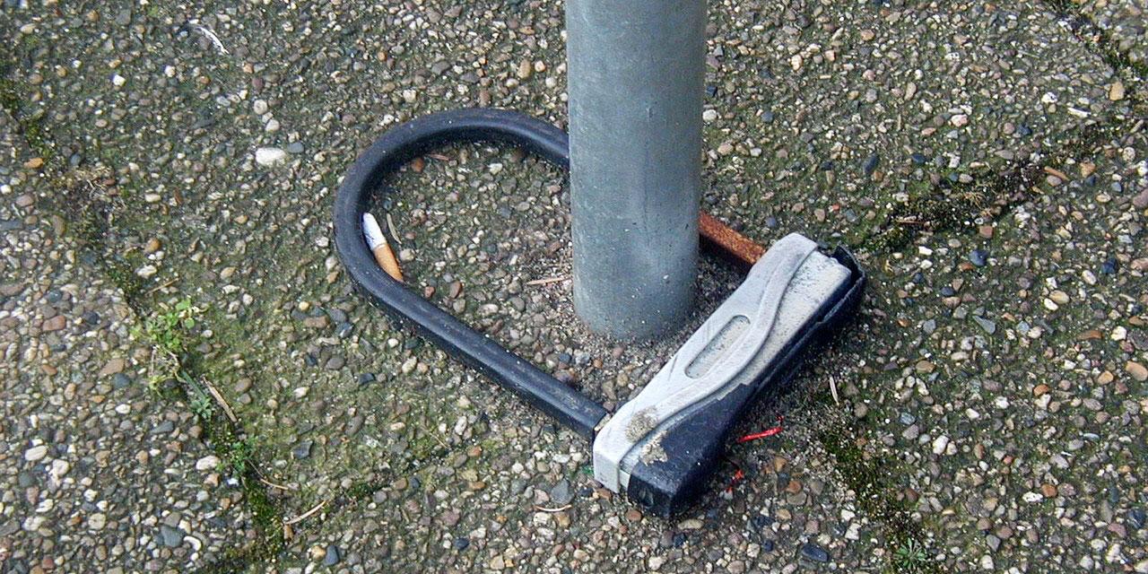 Ein leeres Fahrradschloss