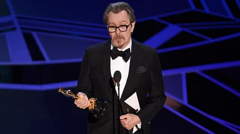 Gary Oldman mit seinem Oscar