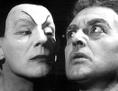 """Archivbild von 1957: Will Quadflieg (r) als Faust und Gustaf Gründgens als Mephisto bei den Proben zu Goethes """"Faust I"""""""