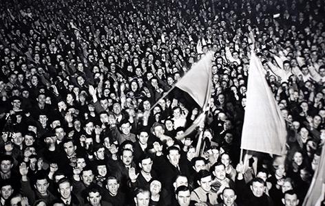 Die Menschenmenge in Linz