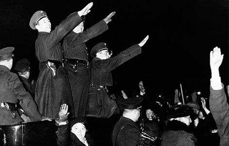 Straßenszene in Wien am Abend des 11. März
