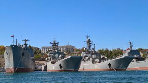 Im Brennpunkt  Krim: Unter Russlands schützender Hand  Originaltitel: Crimea: The Russian Tutelary Shadow