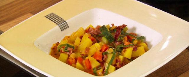 Kartoffelgulasch mit Gemüse