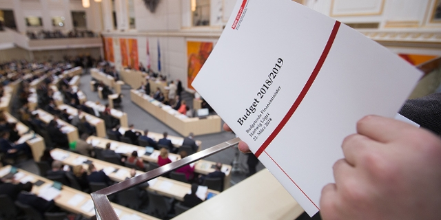 Budgetrede Löger Parlament