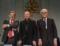 Architekt und Kurator des Vatikan-Pavillons Francesco Dal Co, Kardinal Gianfranco Ravasi, und Biennale-Präsident Paolo Baratta