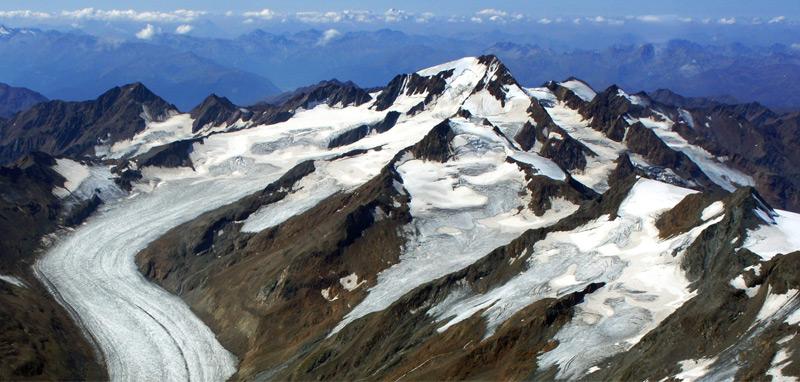Luftaufnahme von Hintereisferner und Weißkugel in Tirol 2015