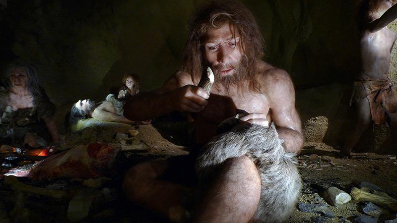 Rekonstruktion: Neandertalerfamilie in einer Höhle