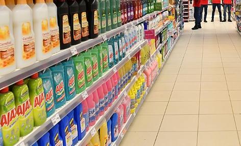 Putzmittel in einem Supermarkt