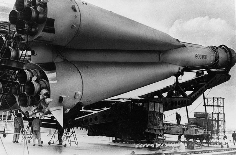 """Russische Rakete """"Wostock"""" vor dem Start"""