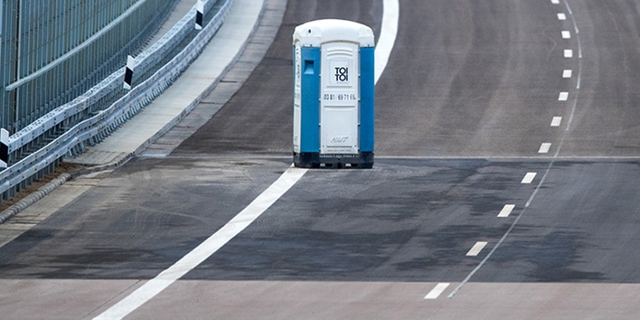 Autobahn mit  Dixiklo