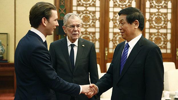Sebastian Kurz und Alexander Van der Bellen treffen in China den Vorsitzenden des Volkskongresses Li Zhanshu
