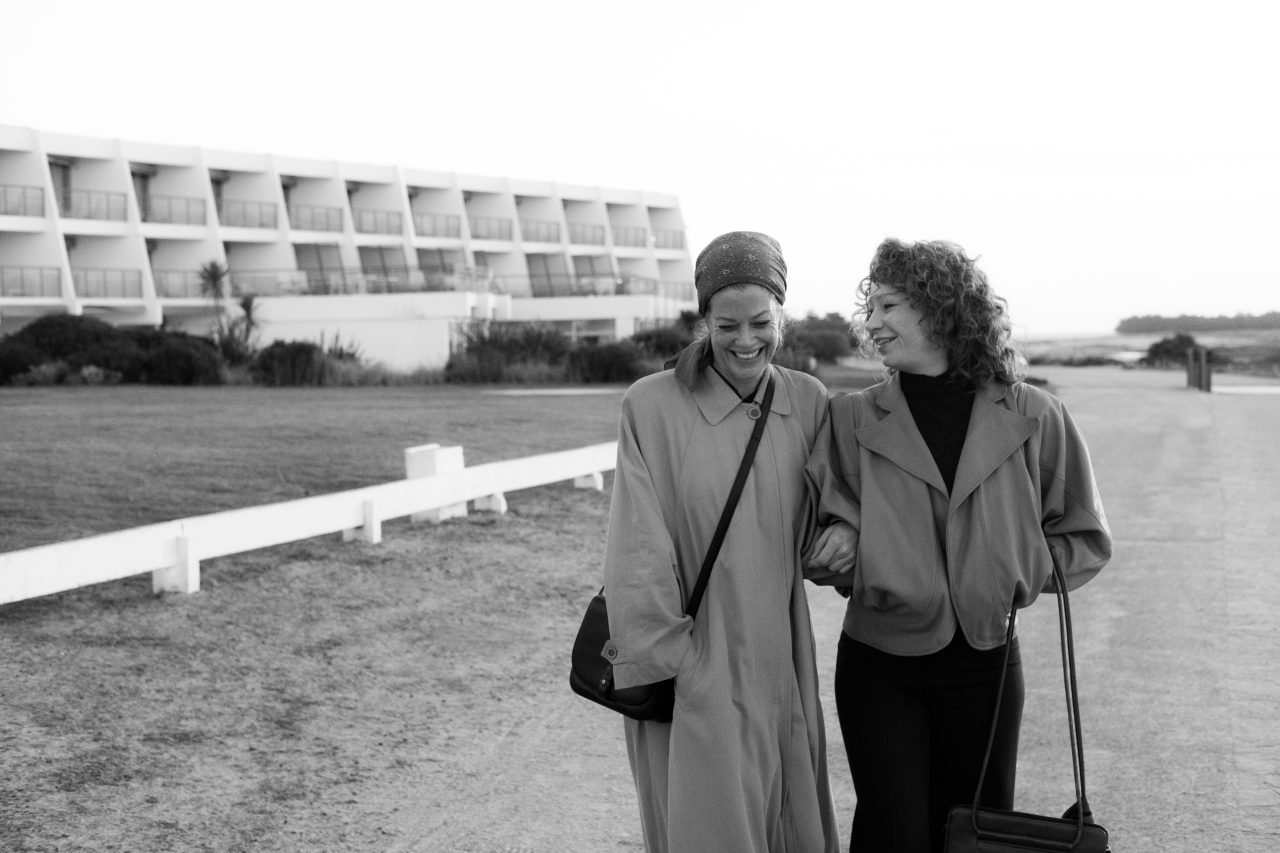 """Marie Bäumer und Birgit Minichmayer in """"Drei Tage in Quiberon"""""""