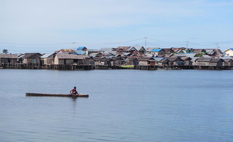 Das Dorf Jaya Bakti der Bajau in Indonesien