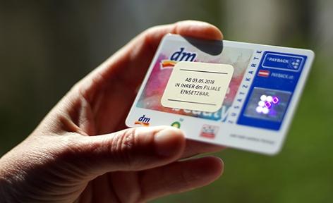 Eine österreichische Paybackkarte der Drogeriekette dm