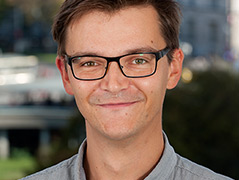 Porträtfoto des Germanisten Christian Wimplinger