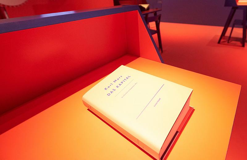 """Das """"Kapital"""" in der aktuellen Marx-Ausstellung am Landesmuseum Trier"""