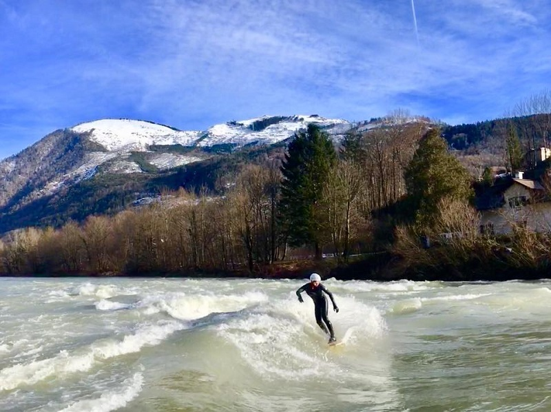 Riversurfer in der Traun