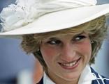 Diana gegen Elisabeth II    Originaltitel: Lady Diana vs Elizabeth II
