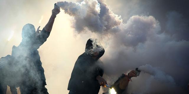 Fußball Hooligans mit Pyro in Bulgarien
