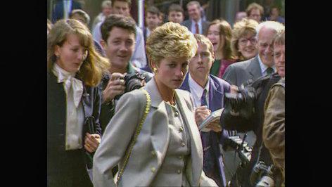 Prinz Harry und Meghan. Ein Herz und eine Krone   Originaltitel: Prince Harry & Meghan: Truly, Madly, Deeply (GBR 2018)  Regie: Mark Radice
