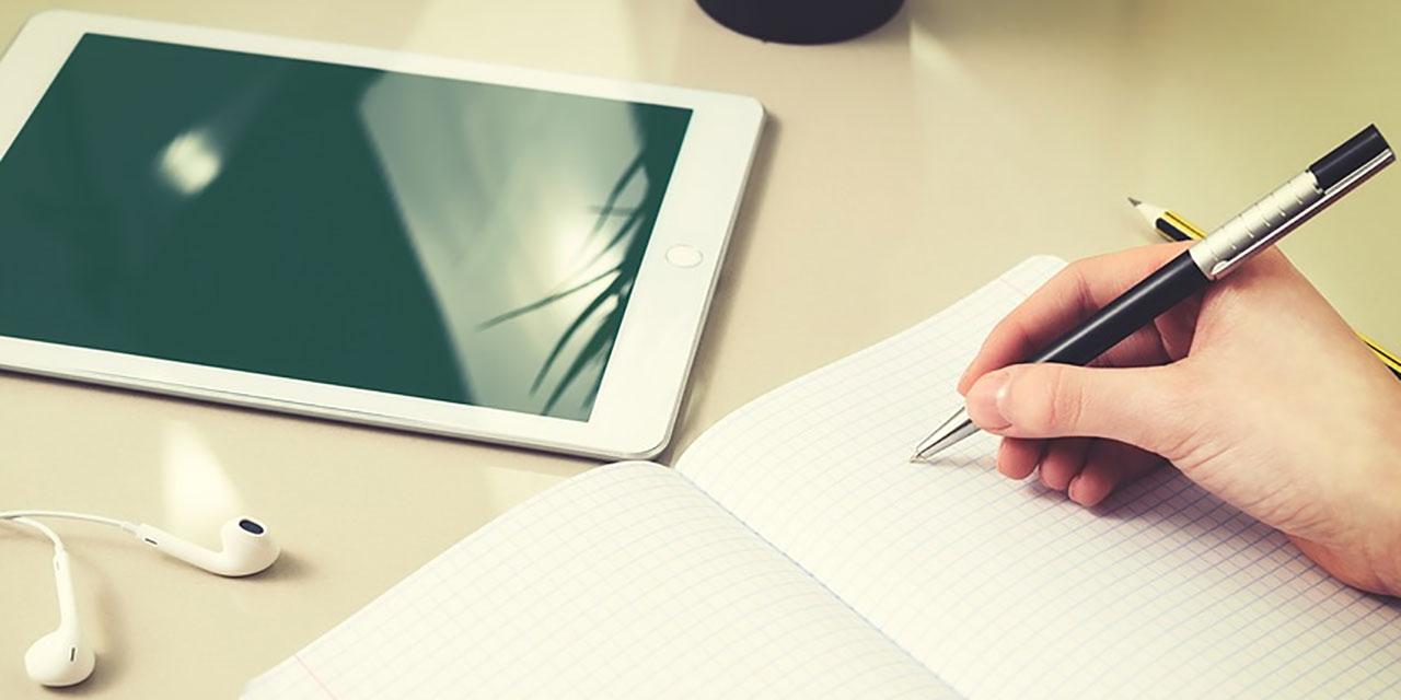 Tablet und Hausaufgabe