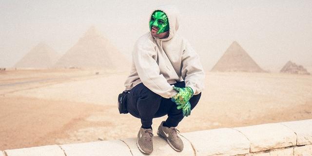 Marsimoto vor den Pyramiden von Gizeh
