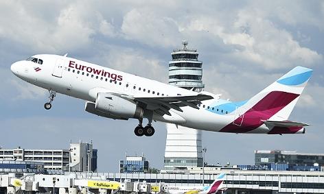 Eine Eurowings-Maschine beim Start am Flughafen Wien-Schwechat