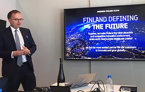 Business Finland-Generaldirektor Pekka Soini beim Vortrag