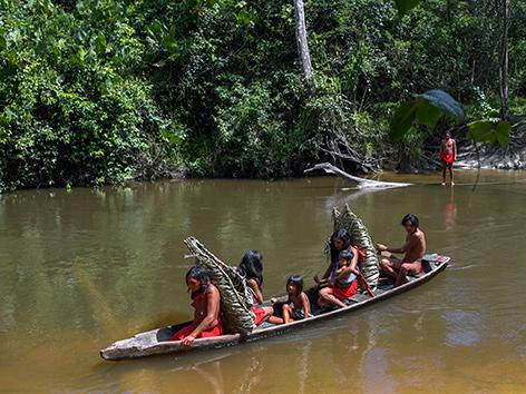 Indigene im Amazonasgebiet in Brasilien