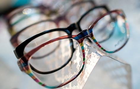 Handbemalte Brillengestelle