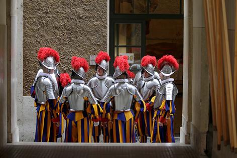 Eine Gruppe von Schweizergardisten
