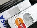 Zwei Kreditkarten in einer Geldbörse