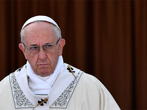 Missbrauchsvorwürfe: Papst suspendiert US-Kardinal