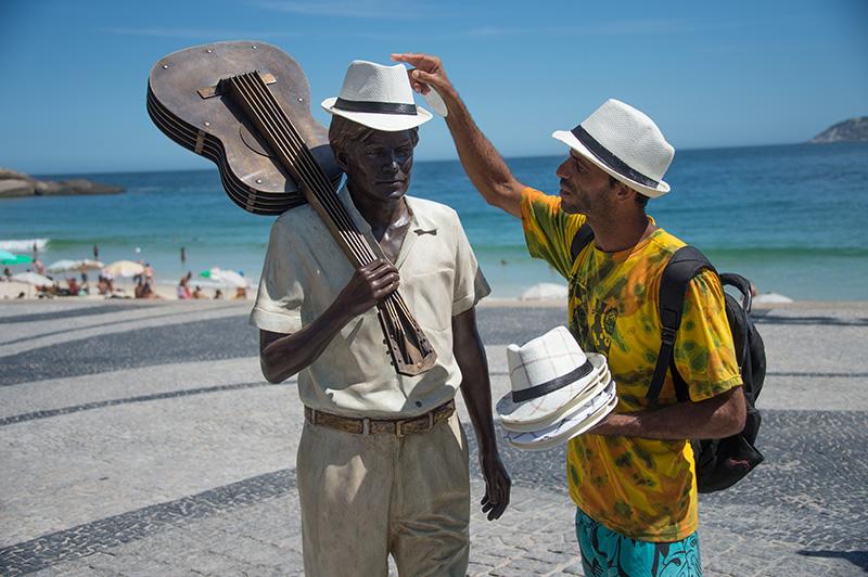 Tom Jobim Statue am Strand von Ipanema
