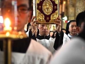 Katholiken-Prozession am Gründonnerstag in Beijing, China