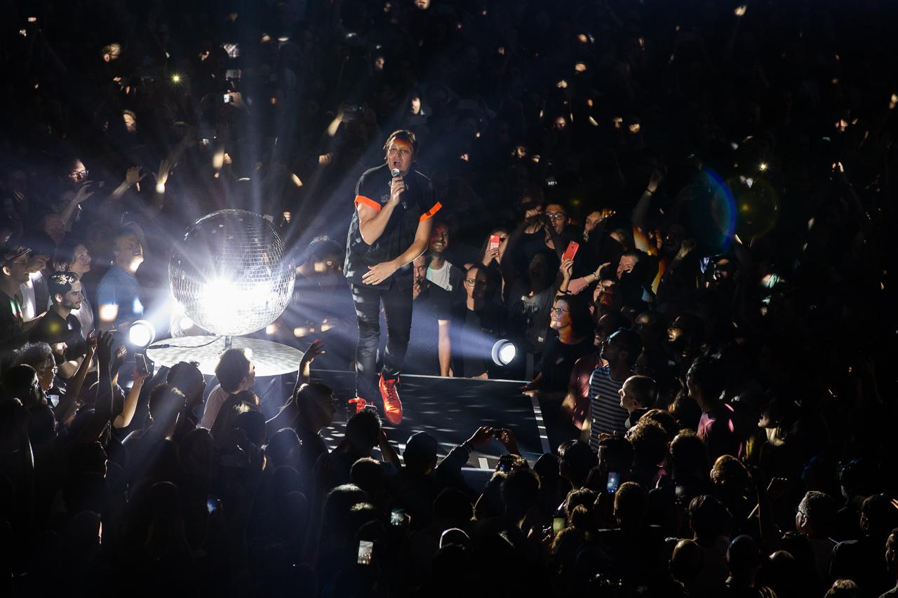 Win Butler beim Arcade Fire Konzert in der Stadthalle 2018