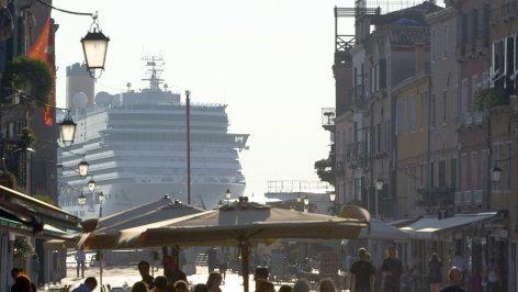 Tourist go home - Europas Sehnsuchtsorte in Gefahr