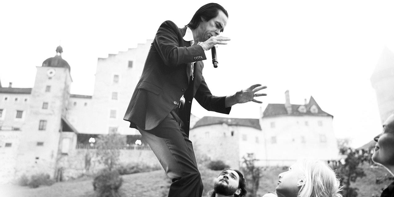 Nick Cave Burg Clam