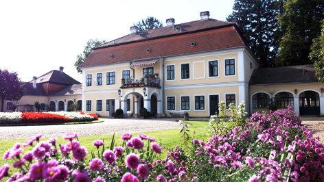 Herrensitze  So jagte Maria Theresia: Schloss Halbturn (5/6)