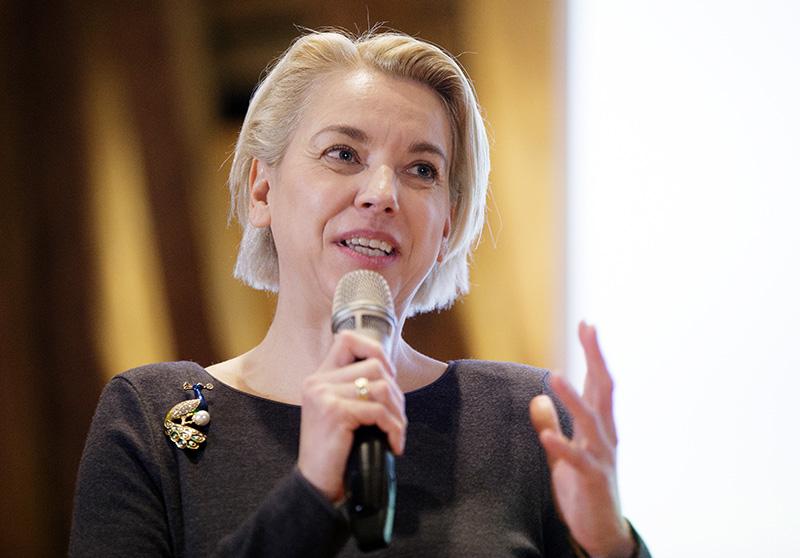 Angelika Mlinar