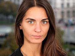 Porträtfoto der Germanistin Nikolina Skenderija-Bohnet