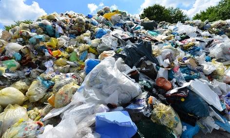 Berg aus Plastikmüll