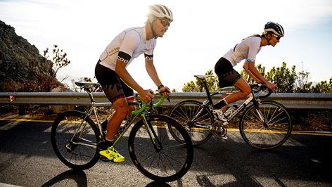 Michael Strasser beim Training mit Freundin